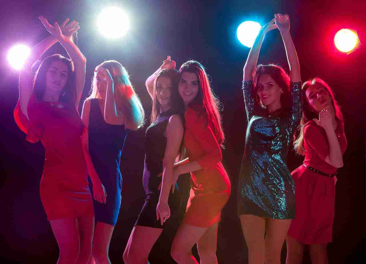 Ladies dacning in Bangkok nightclub