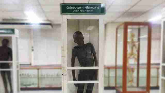 Si Quey Sae-Ung is the marquee draw to Bangkok's Siriraj Medical Museum, where he will no longer be labeled a cannibal but rather a Death Row Prisoner.
