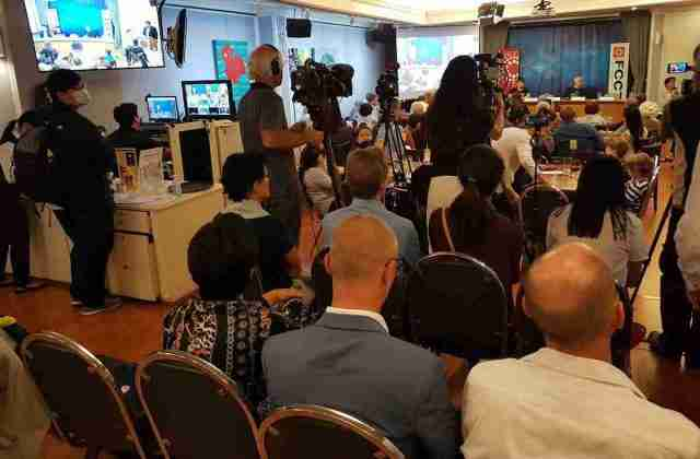 Foreign-Journalists-Meet-for-a-panel-discussion-on-Thailand-student-protests-at-the-foreign-corresponsdents-club-fcct-bangkok