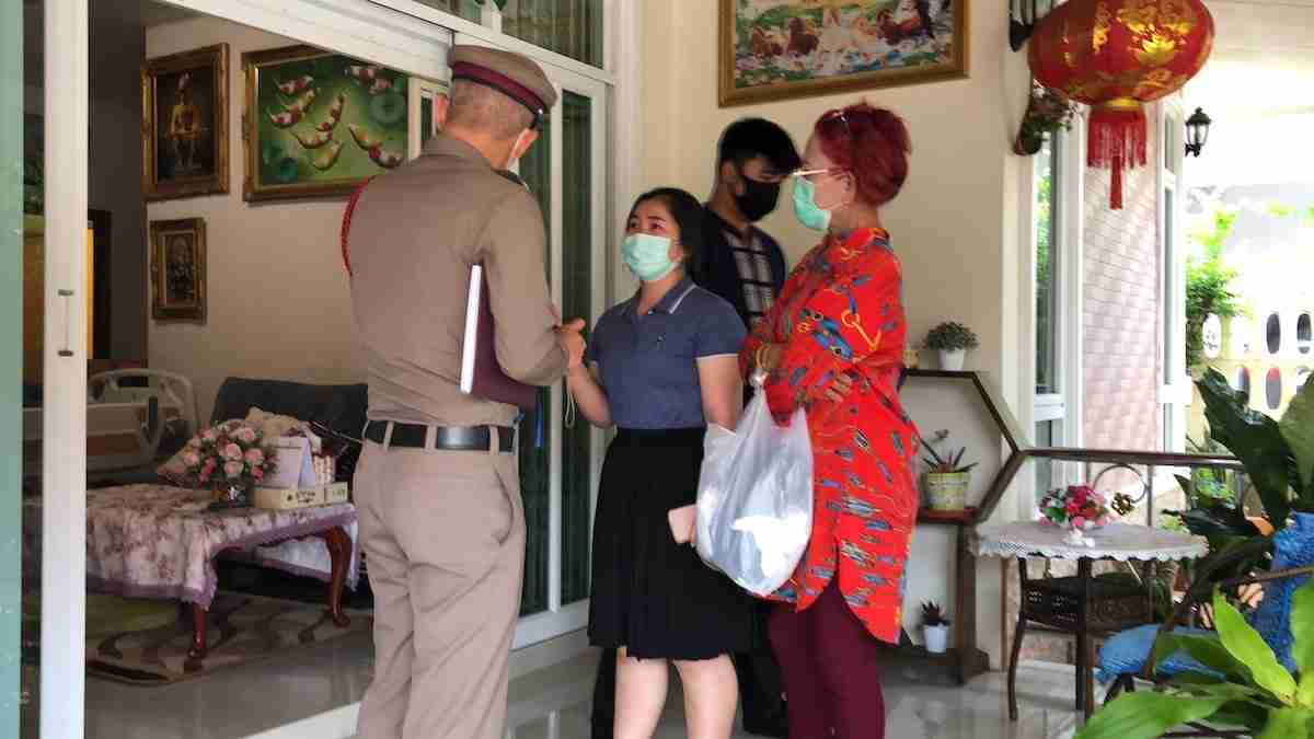 Pattaya Double Suicide Family Arrives Thailand