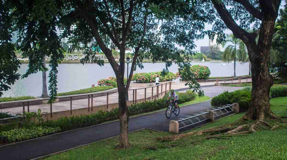 Benjakiti Park, next to the Queen Sirikit National Convention Center site, is closed until at least 2022 as the conference center and park are rebuilt. (Photo: Bangkok Herald)