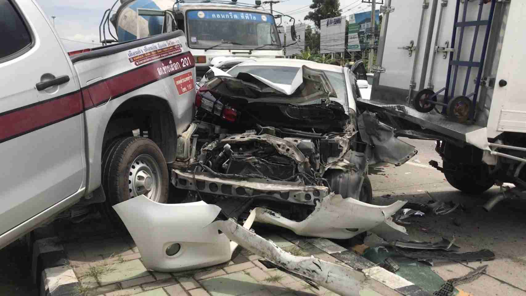 Chiang Mai Truck Into Cars Accident Crash 2
