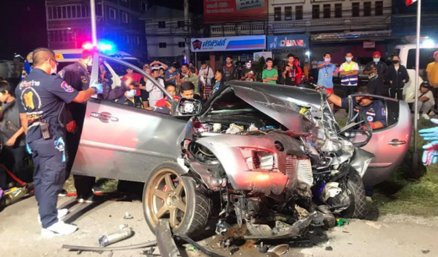 Speedometer Stuck on 140 After Bodies Pulled from Pickup Near Pattaya-1