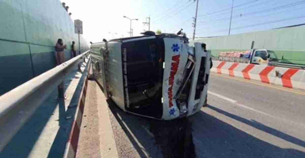 The fourth ambulance ended up on its side at the Mae Kao Sa-Aad Sai underpass.