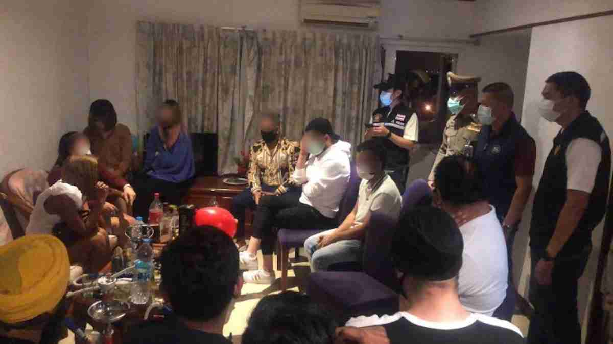 Pattaya police early Sunday arrested 29 foreigners and Thai smoking shisha and playing pool at a bar claiming to be a restaurant on Soi 7.