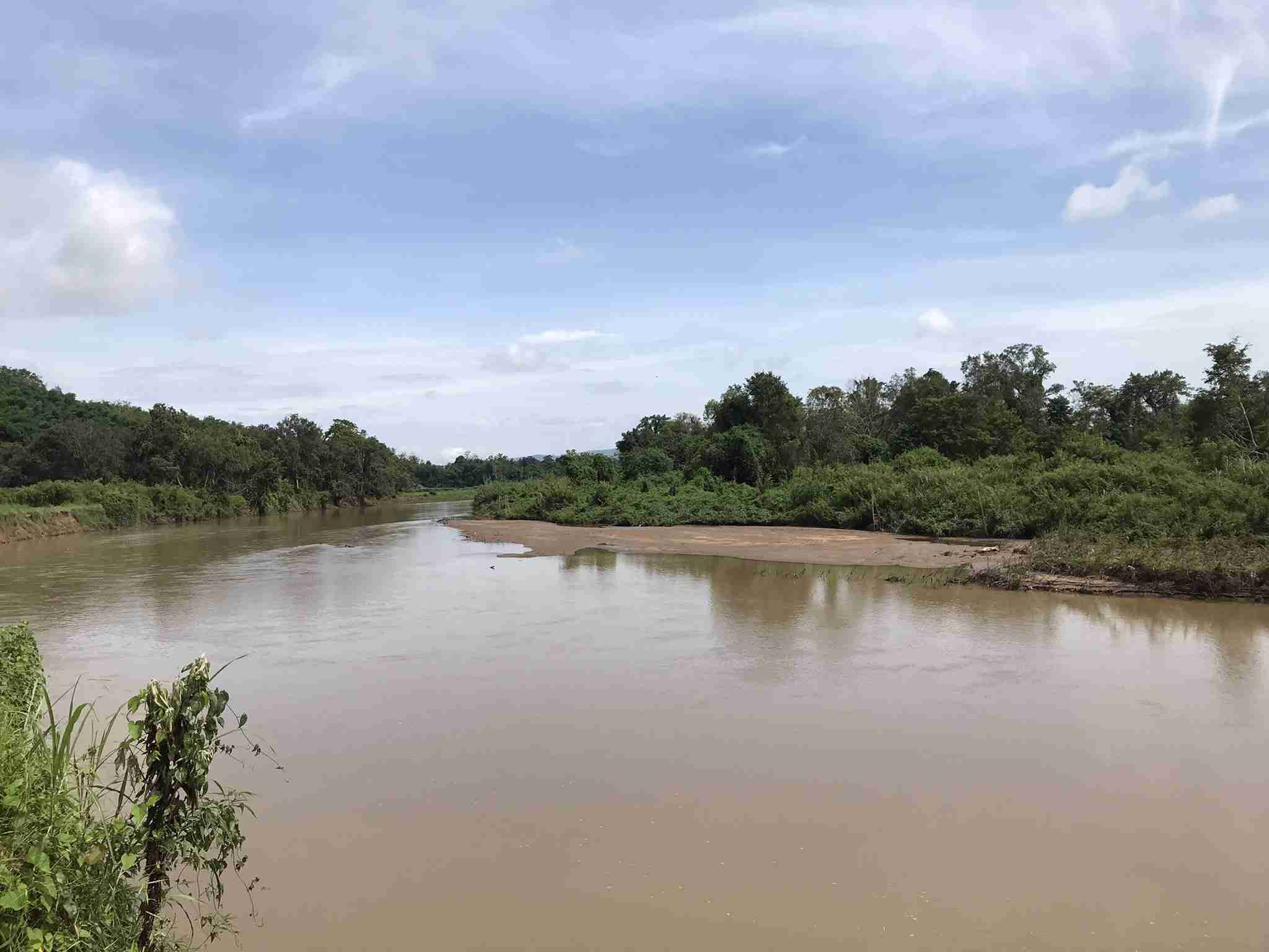 A photograph taken on 15 July 2021 of the Ruak River. Sandbanks that are normally visible only during the dry season are visible here, in the wet season. Unnatural changes to water levels have huge implications for Thailand's riverine wildlife. (Image: John Roberts)